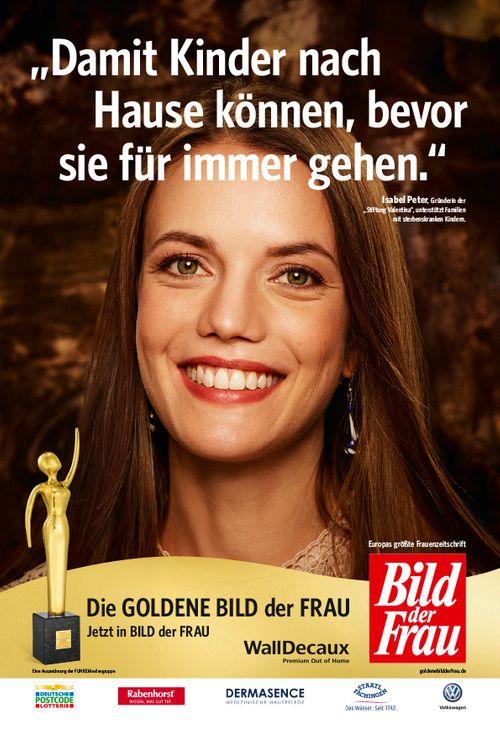 Goldene Bild der Frau zeichnet Isabel Peter und Stiftung Valentina aus