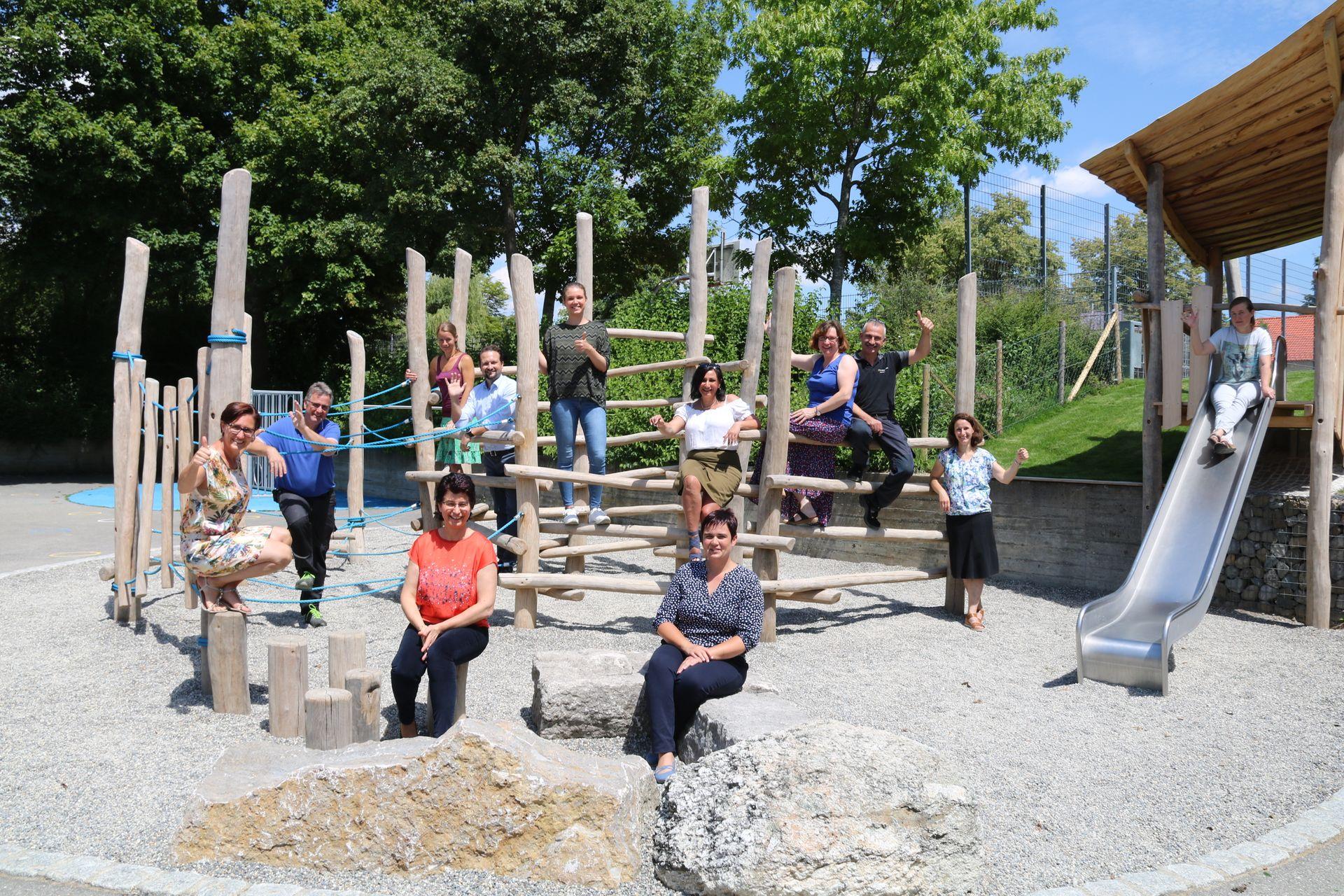 Neue Kletter- und Erlebnislandschaft an der Grundschule Wilhelmsdorf